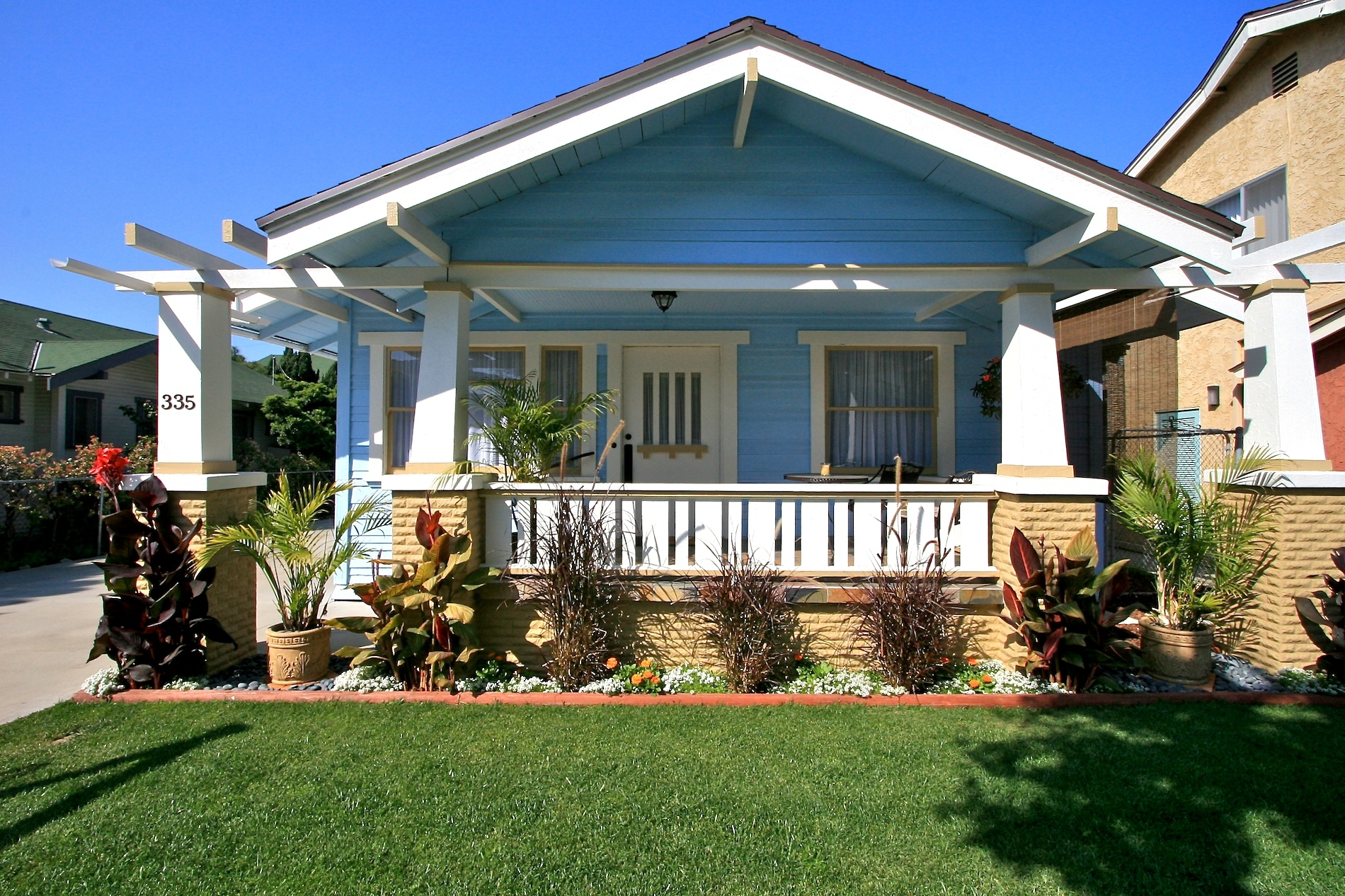 California bungalow and craftsman real estate for California bungalow house