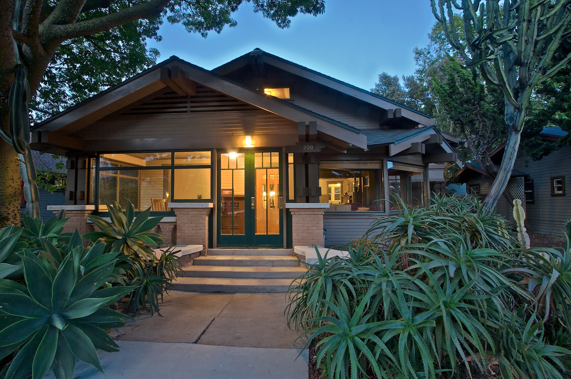 California Craftsman Bungalow Style Homes