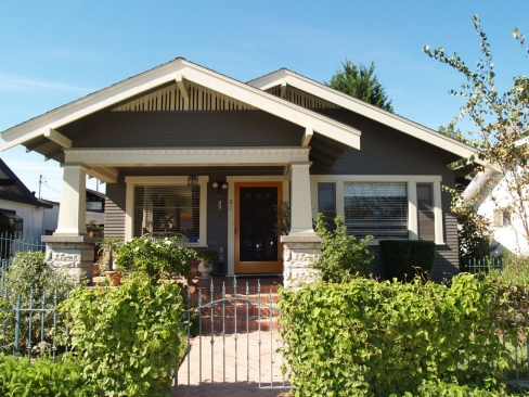 Classic california bungalow 331 loma ave long beach for Bungalow style homes for sale